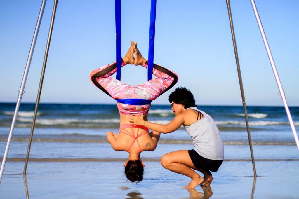 Tư thế đảo ngược trong Aerial Yoga