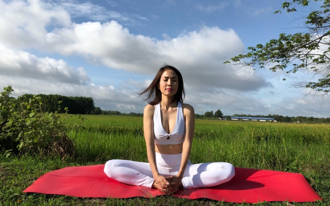 Tư thế Yoga Con Bướm