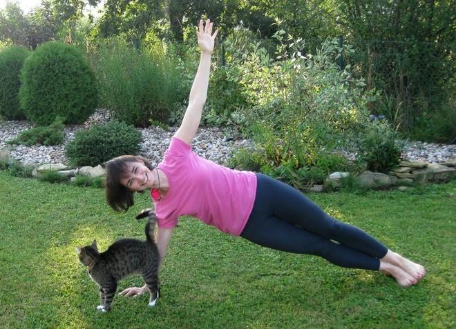 Tư thế yoga Mặt phẳng nghiêng