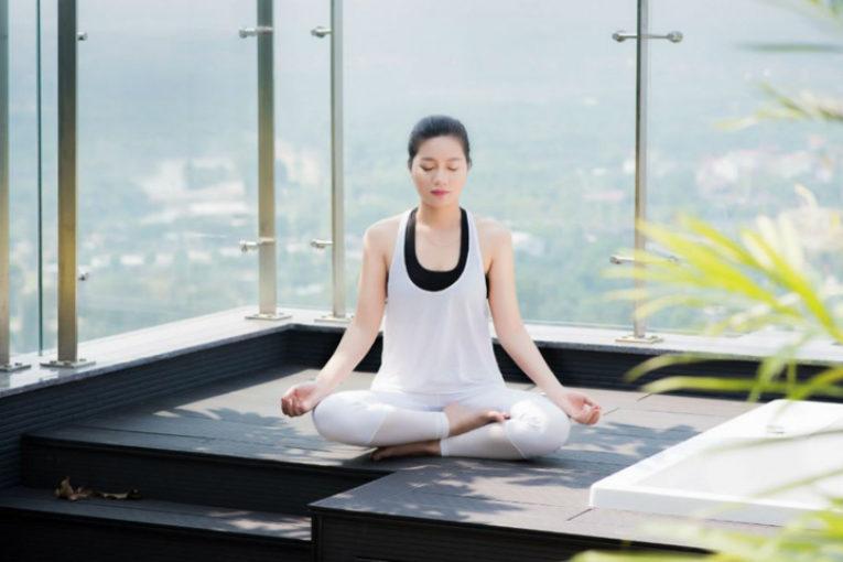Thiền bằng âm thanh trong yoga