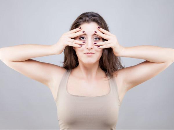 bài tập yoga căng da mặt