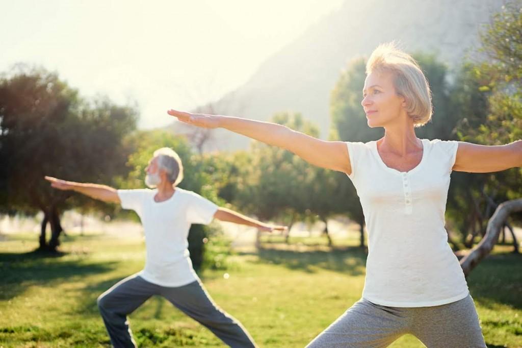 kéo dài tuổi xuân với yoga