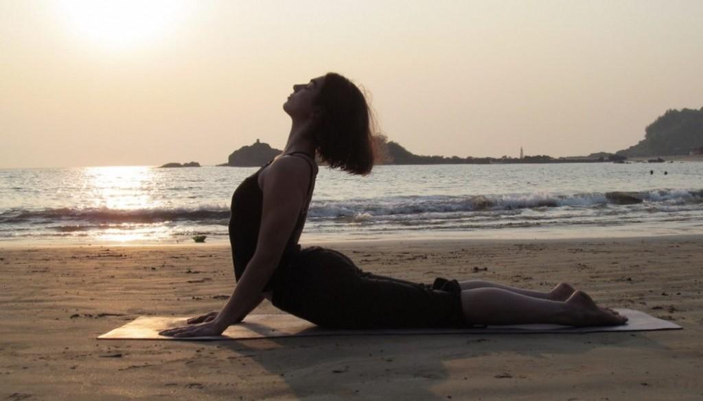yoga Rắn hổ mang con