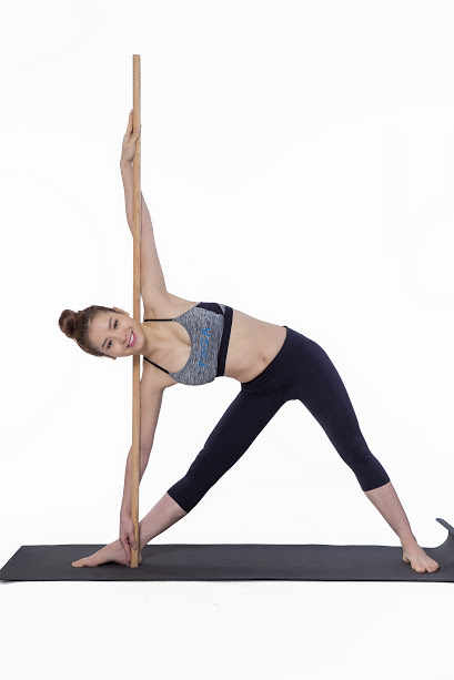 yoga Xoay người hình tam giác