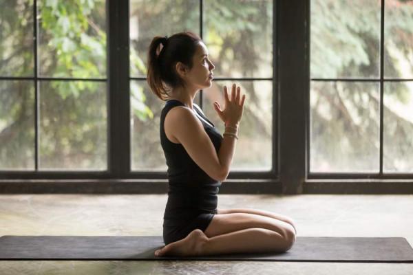 yoga anh hùng