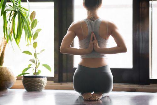 yoga hero pose